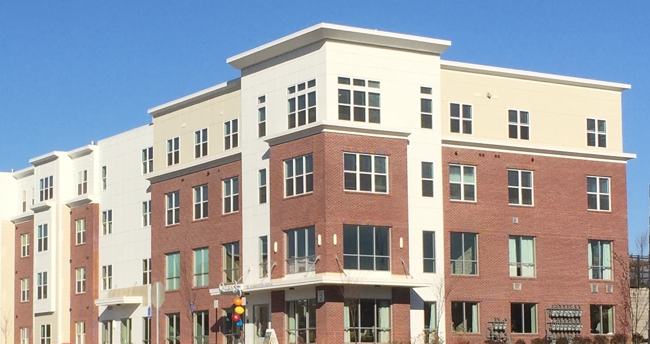 photo of the apartments at Lakeway Commons in Shrewsbury Massachusetts
